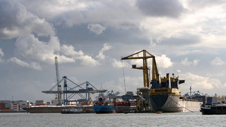 unloading: Loading and Unloading Shipping Containers in the Port of Rotterdam