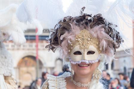 Carnaval de Venecia Dama enmascarada Foto de archivo - 65688346