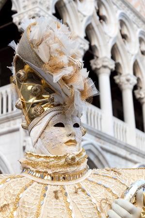 Retrato del carnaval de Venecia Foto de archivo - 65688347