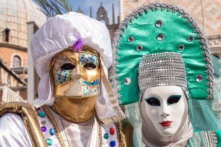 Venecia par de carnaval Foto de archivo - 67298674