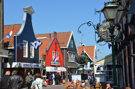 volendam: Colorful typical houses in Volendam, The Netherlands