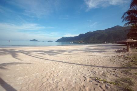 con: Beach on Con Dao, Vietnam