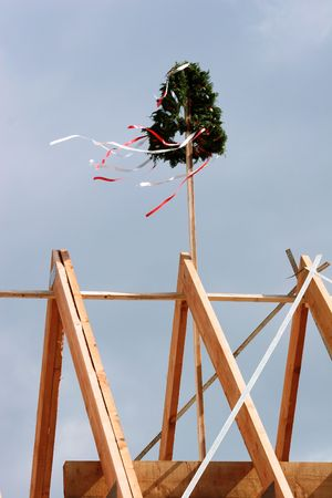 ornated: Roofing ceremony with a beautifully ornated wrath