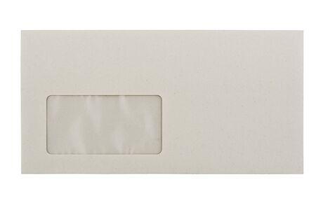 grigiastro: vuoto vuoto envelope grigiastra con una finestra, isolata on white