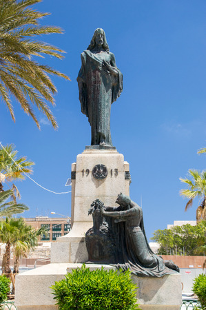 poblíž: Floriana, Malta - 10. května 2017: Památník Krista krále v Florianu u Valletty.