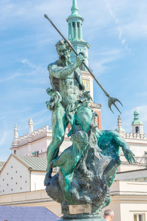 Neptune fountain statue at old town of Poznan, Poland.. Imagens