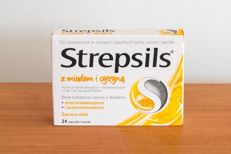Pruszcz Gdanski, Poland - December 11, 2019: Pack of Strepsils Honey & Lemon. Редакционное