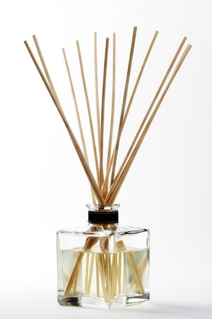 mounted: een aroma-afdekking met bamboe stokken gemonteerd  Stockfoto