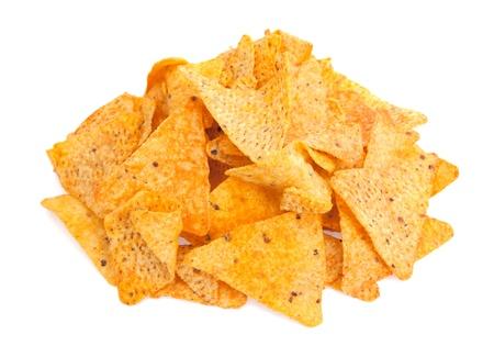 tortilla de maiz: Una pila de queso cubierto chips de tortilla aisladas sobre un fondo blanco Foto de archivo