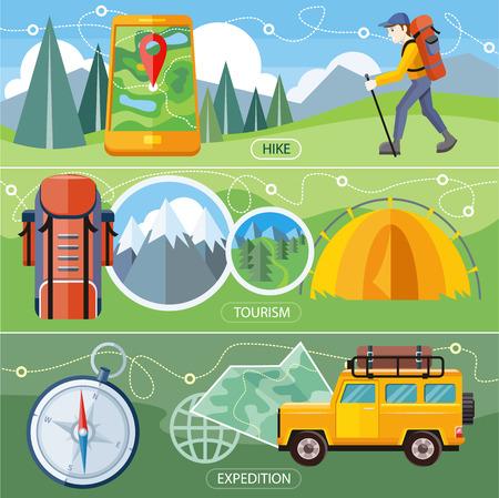 backpack: Viajero Hombre con equipo de senderismo mochila caminando en las montañas. Coche campo a través con mapa y brújula en el camino. Investigación rincones vírgenes de la naturaleza. Tienda de campaña turística cerca del bosque y las montañas