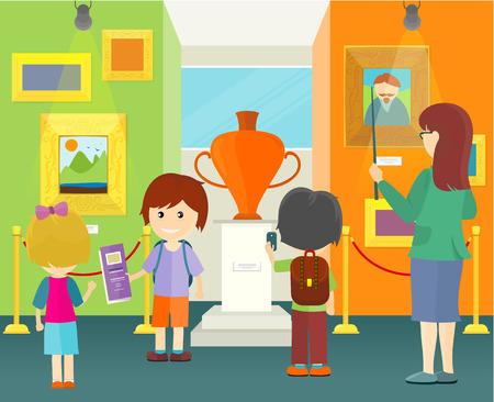 Los niños en el museo. Niños y niñas con mochilas escolares ver piezas de museo. Guía whis niños. Interior del museo con pinturas y florero. Ilustración del vector en plano.