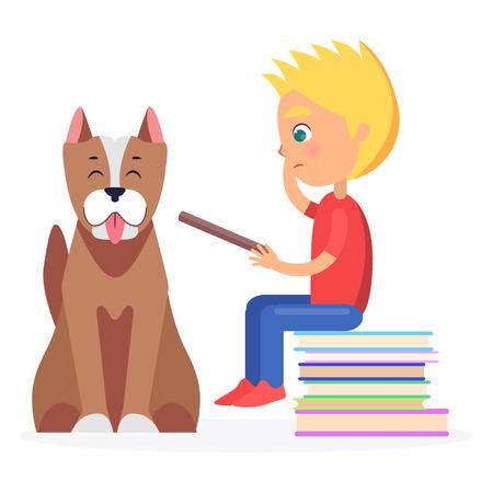 Blonde jongen zittend op hoop van literatuur met huisdier