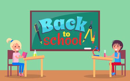 Terug naar school inscriptie geschreven op Blackboard Stock Illustratie