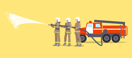 消防士火災を消火しようとしてヘルメットの