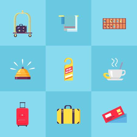 Valise sur chariot, porte-serviettes, étagère avec clés, cloche en or, étiquette Ne pas déranger, tasse de thé, lourdes valises et paire d'illustrations vectorielles de billets.