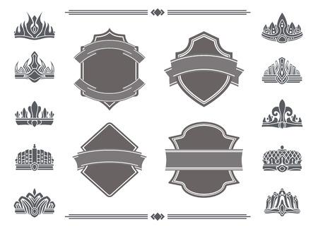 Schilde mit leeren Bändern für Schilder und Kronen Vektorgrafik