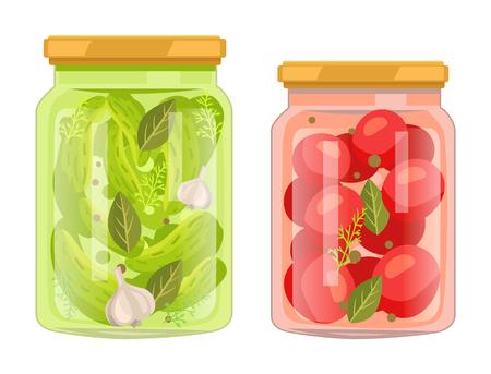 Hermetische Flaschen mit konserviertem Lebensmittelvektorplakat. Isolierte Tomaten mit Lorbeerblatt und Pfefferkornglas und Essiggurken mit Knoblauchwürzedose.
