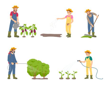 Cultivo de personas con vector de iconos aislados de pulverizador. Hombre regando berenjenas, mujer con manguera y plantas. Macho rociar arbustos, rastrillar el abono en el suelo Ilustración de vector