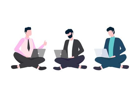Hombres en ropa casual sentados con las piernas cruzadas con computadoras portátiles. Personas que usan y miran la computadora, equipo de trabajo con gadgets, vista vertical de trabajadores