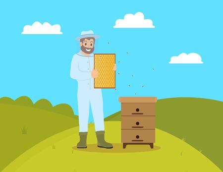 Imker imkerij man met handschoenen en masker. Boerenmannetje dat honingraat vasthoudt en bijen verzorgt. Landarbeider, aculturist op velden heuvel vector