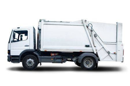 camion de basura: Aislado en blanco Cami�n de basura Foto de archivo
