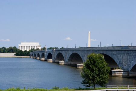 lincoln memorial: The Lincoln Memorial, Memorial Bridge and Washington Monument viewed from across the Potomac River Stock Photo
