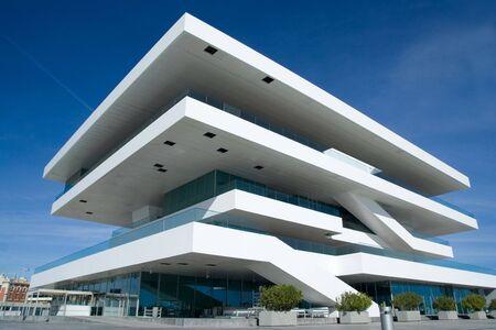 Valencia, Espagne - 20 janvier 2010 : Le Fodereck Building dans le port de Valence.  Maison de la 33�me Coupe de America?s voile �v�nement. �ditoriale