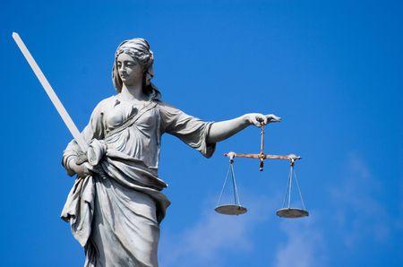 gerechtigheid: Standbeeld van Vrouwe Justitia in Dublin Castle in Dublin, Ireland  Stockfoto