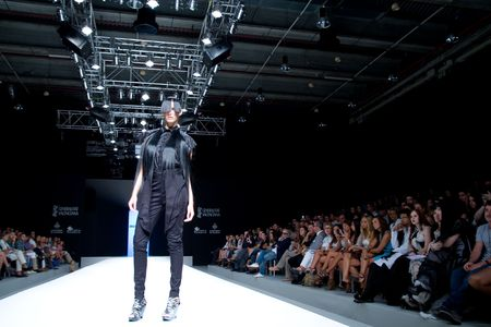 VALENCIA, SPAIN - September 1: A model on the catwalk wearing a Zazo & Brull design for the Valencia Fashion Week on September 1, 2010 in Valencia, Spain.  Redactioneel