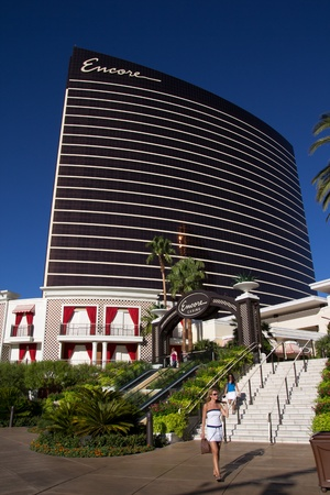 LAS VEGAS - 16 ao�t: h�tel de luxe et un casino Encore le 16 Ao�t 2011 � Las Vegas. La salle de 2,3 milliards de dollars, 2034, projet de station h�tel a ouvert en D�cembre 2008 avec un casino, un espace de vente au d�tail, des restaurants et une discoth�que. Banque d'images - 11748868