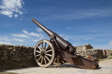 canto: MORELLA, SPAIN - OCT 7: An Industrial Artillery Piece at the Morella Castle on October 7, 2012 in Morella, Spain. This canon was placed here in 1954 by the General Captain of Valencia Miguel Abriat Canto, adopted son of Morella.