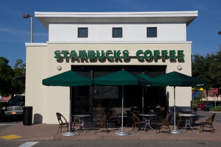 starbucks: JACKSONVILLE, FLORIDA, USA-SEPTEMBER 21, 2013: A Starbucks Coffee coffeehouse. Starbucks is the largest coffeehouse company in the world, with 20,891 stores in 62 countries (2013). Editorial