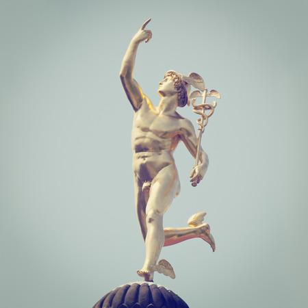 Dios romano Mercurio, con efectos de estilo retro
