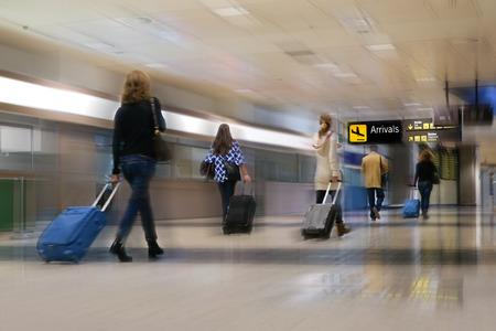 航空会社の乗客は空港で