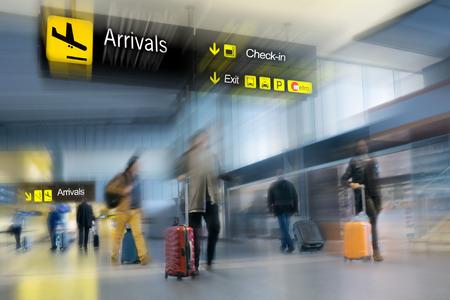 gente aeropuerto: Los pasajeros de aerol�neas en el Aeropuerto