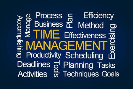 gestion del tiempo: Nube de la palabra de gesti�n del tiempo en el fondo azul Foto de archivo