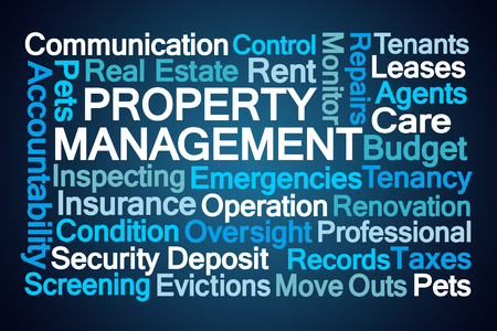 Property Management Word Cloud op blauwe achtergrond Stockfoto