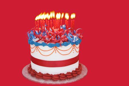 pastel de cumplea�os: Masas de Velas (25) en un pastel de celebraci�n. Apto para cumplea�os, aniversario o cualquier otra celebraci�n. Vibrantes colores primarios.