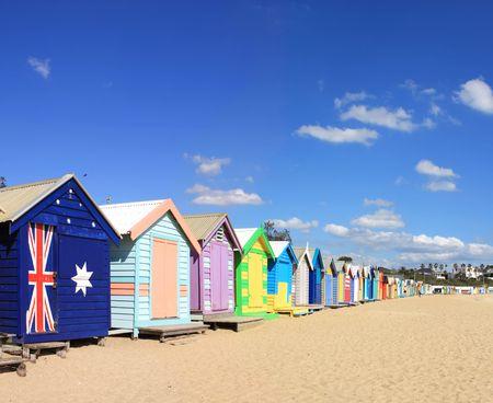 strand australie: Kleurrijke zwemmen vakken Brighton Beach, Melbourne, Australië. Een Melbourne pictogram.