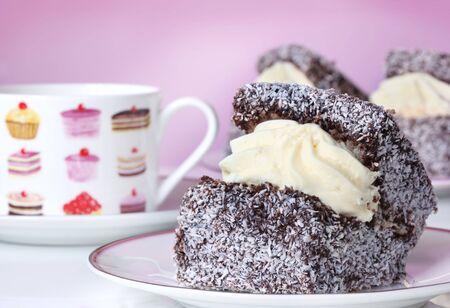 lamington: Lamington Cream Sponge Cakes