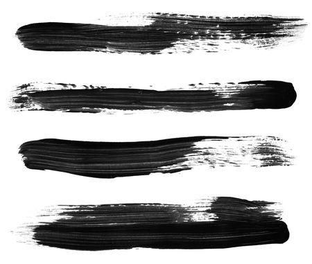 Vielzahl von schwarzen Pinsel Malstriche, isoliert auf weiß.  Hohe Auflösung, jeder Strich, die separat für beste Fokus fotografiert.