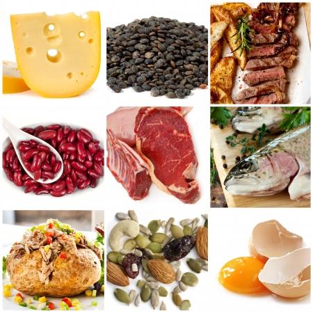 nutrientes: Las fuentes alimentarias de proteínas, como el queso, las lentejas, las carnes rojas y blancas, frijoles, pescado, atún, nueces y huevos Foto de archivo