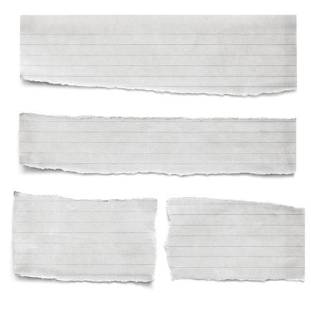 Colección de piezas de papel revestidos rasgados, aislados en blanco