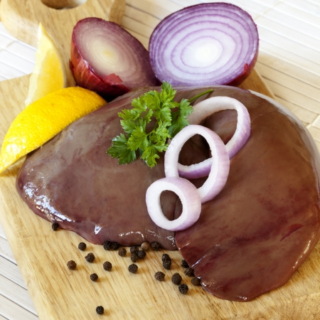 carne cruda: H�gado crudo con pimienta, cebolla y lim�n.