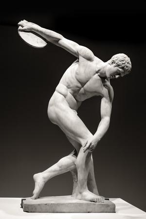 Marmor-Statue des Diskuswerfer. Römische Kopie ursprünglichen altgriechischen Bronze von Myron. Editorial