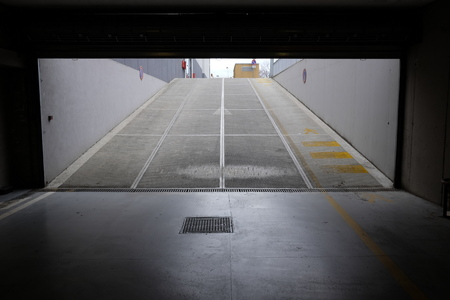 ramp access covered parking Stok Fotoğraf - 93160681