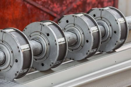 pitman: View of the crankshaft for the trucks