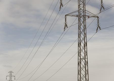 torres de alta tension: torres de alta tensión