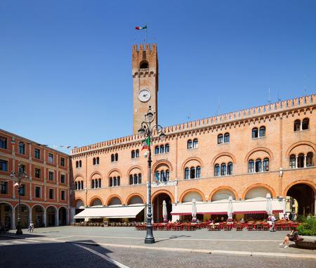 Treviso / marketplace Stock fotó - 81190482