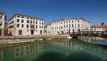 Treviso  Waterfront view of the historical architecture and river canal Zdjęcie Seryjne
